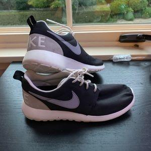 Nike Roshe Runs (Like New!)
